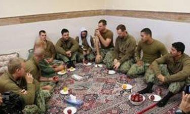 Βίντεο: Οι Αμερικανοί πεζοναύτες ζητούν συγγνώμη από την Τεχεράνη