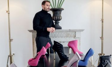 Πόσα ζευγάρια παπούτσια έχει στην ντουλάπα του ο σχεδιαστής υποδημάτων Δούκας Χατζηδούκας;