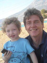 Ο Αλέκος Μάρκελλος με τον γιο του
