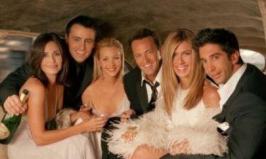 Τι συμβαίνει μεταξύ τους; Οι δύο ηθοποιοί των Friends αντάλλαξαν φιλί στο στόμα, δημοσίως!
