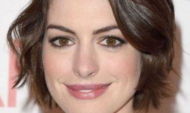 Η εγκυμονούσα Anne Hathaway στην πιο σέξι εμφάνισή της ever
