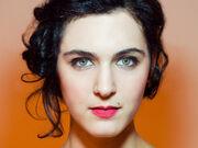 Η ιστορία Ελληνίδας ηθοποιού συγκλονίζει: «Μου τελείωσαν τα χρήματα, ξέμεινα ένα βράδυ σε παγκάκι»