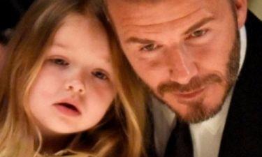 Μα πόσο όμορφη: Δείτε τη νέα εμφάνιση της μικρής Harper Beckham!