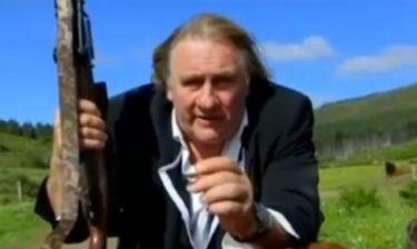Gerard de Partieu: Σάλος  με την διαφήμιση που σκοτώνει ελάφι
