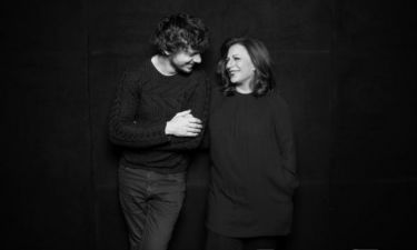 Χάρις Αλεξίου: Στο «Χειρόγραφο» γίνεται για λίγο ηθοποιός και διηγείται την ιστορία της
