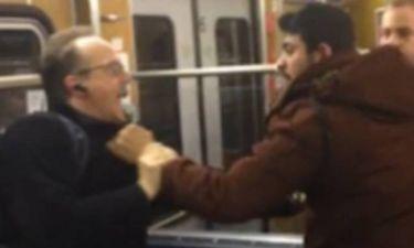 Βίντεο σοκ: Καρέ-καρέ η άγρια επίθεση μεταναστών σε συνταξιούχους σε τρένο (video)