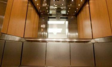 Γνώριζες γιατί τα ασανσέρ έχουν καθρέφτες;