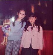 Αμαλία Κωστοπούλου:Το άλμπουμ των παιδικών χρόνων για τα γενέθλια της αδελφής της και το μήνυμά της