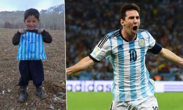 Ο μικρός φαν του Messi με την πλαστική φανέλα θα γνωρίσει το είδωλό του