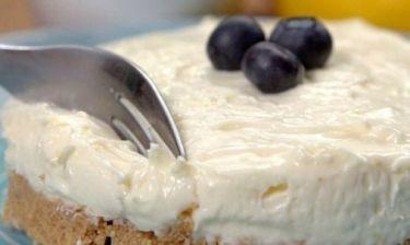 Ελαφρύ cheesecake λεμονιού χωρίς ψήσιμο (βίντεο)