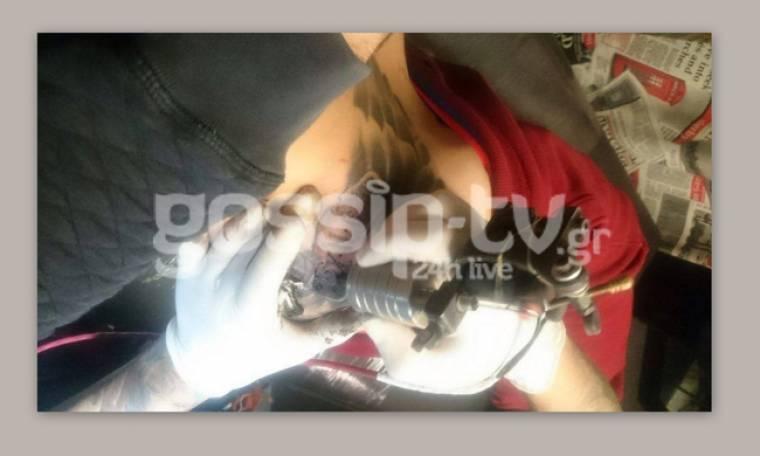 Ανήμερα του Αγίου Βαλεντίνου εκείνος έσβησε το τατουάζ της πρώην γυναίκας του