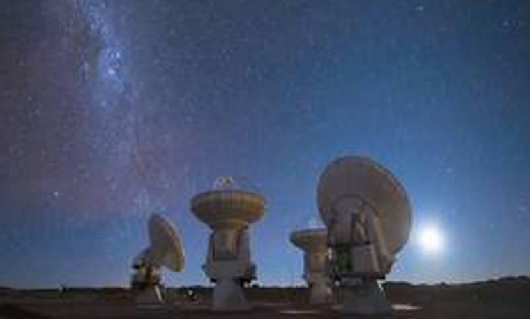 Μία «μηχανή του χρόνου» στη Χιλή: Το πανίσχυρο τηλεσκόπιο που «ταξιδεύει» στο παρελθόν