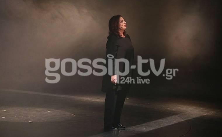 Χάρις Αλεξίου: Έκανε ντεμπούτο στο θεατρικό σανίδι