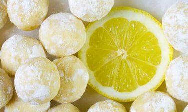 Απολαυστικά τρουφάκια λεμονιού και λευκής σοκολάτας με 5 υλικά!