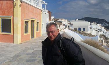 «60' Ελλάδα»: Ο Νίκος Μάνεσης στη Σαντορίνη