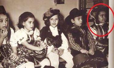 Δεν θα πιστέψετε ποια Ελληνίδα παρουσιάστρια είναι η μικρή σε πάρτυ μασκέ