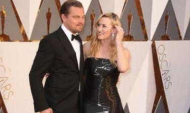 DiCaprio-Winslet: 12 φωτογραφίες τους από τα χθεσινά Oscars που θα σας κάνουν να «λιώσετε»