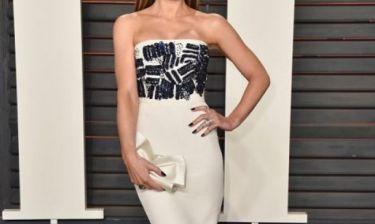 Η star άλλαξε πρόσωπο: Η αλλόκοτη εμφάνισή της στα Oscars και τα σχόλια που συγκέντρωσε