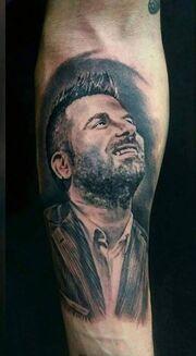 Παντελής Παντελίδης: Τατουάζ τον έκαναν οι θαυμαστές του (φωτό)