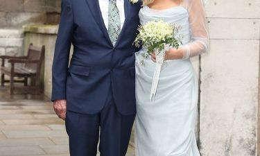 Επιτέλους παντρεύτηκαν! Ο 84χρονος γαμπρός, η απαστράπτουσα νύφη και τα δέκα παιδιά! (φωτό)