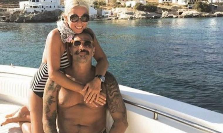Μαρία Μπακοδήμου: Στην Αίγινα με τον σύντροφό της (φωτο)