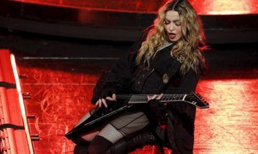 Τα συγκινητικά λόγια της Madonna για τον γιο της - «Λύγισε» στην σκηνή: «Έχασα τον γιο μου»