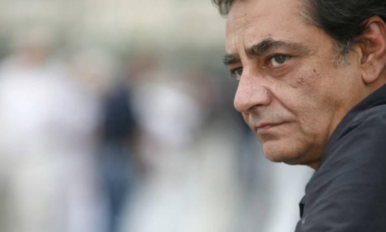 Καφετζόπουλος: «Α, το κουτσοµπολιό µ' αρέσει! Θέλω να µαθαίνω τα πάντα - ποιος τα 'χει µε ποια…»