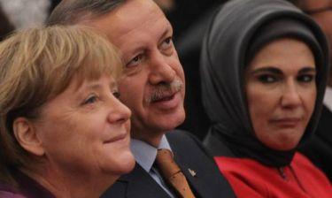 Εμινέ Ερντογάν: Τα χαρέμια ήταν εκπαιδευτικά ιδρύματα
