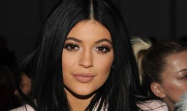 Το κόλπο της Kylie Jenner με τη μάσκαρα για να δείχνουν τα μάτια της πιο μεγάλα!