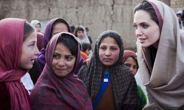 H Angelina Jolie στη Λέσβο για τους πρόσφυγες
