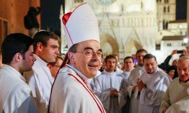 Le Monde: Αρχιεπίσκοπος μπλεγμένος σε σκάνδαλο παιδοφιλίας