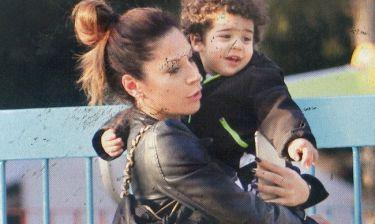 Μαριάντα Πιερίδη: Με τον γιος της στην παιδική χαρά