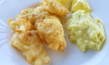 Ενόψει 25ης Μαρτίου: Μυστικά μαγειρικής για τον πιο νόστιμο μπακαλιάρο που έχεις φάει ποτέ