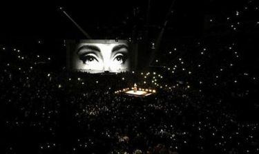 Η οργή της Adele για την επίθεση στις Βρυξέλλες: «Eίσαστε μόνοι σας γ@μ@μένοι»