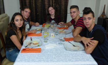 Κάτι ψήνεται: Πέντε έφηβοι μπαίνουν στην κουζίνα