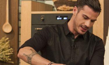 Τι… μαγειρεύει ο Άκης Πετρετζίκης ;