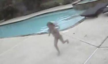 Ανατριχιαστικό βίντεο με 5χρονη που σώζει τη μαμά της από βέβαιο πνιγμό