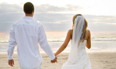 Ζευγάρι της showbiz παντρεύτηκε κρυφά έναν χρόνο πριν και δεν το πήρε είδηση κανείς