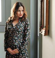 Ελένη Καρποντίνη: Φωτογραφίζεται με τη φουσκωμένη κοιλίτσα της και μιλάει για το φύλο του μωρού