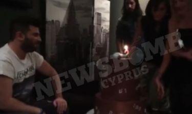 Παντελής Παντελίδης/ 23-11-2014: η τούρτα έκπληξη στο καμαρίνι για τα γενέθλια του (video)