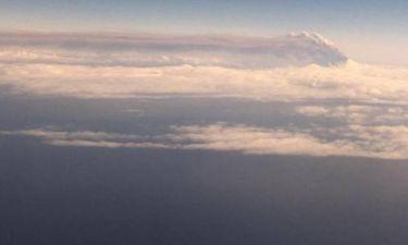 Ηφαίστειο εκτοξεύει τις στάχτες του σε ύψος 6.000 μέτρων