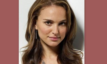 Χαμός στο διαδίκτυο για τον νεαρό που είναι «φτυστός» η Natalie Portman