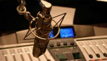 Δεν φαντάζεστε για ποιο λόγο σέρνει στα δικαστήρια τη σύζυγό του Έλληνας ραδιοφωνικός παραγωγός
