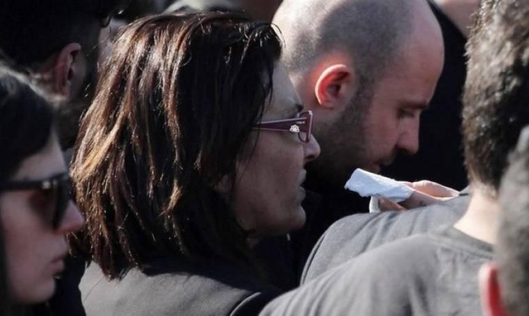 Η οργή της Αθηνάς Παντελίδη.«Εσείς που παίζατε χαρτιά με τον γιo μου μιλήστε» (Nassos blog)