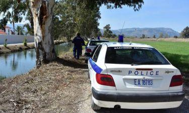 Αστυνομικοί μετέφεραν όπλα μέσα σε κρέατα