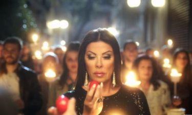 Χαμός με τη διαφήμιση της Άντζελας Δημητρίου: «Σεξιστικό! Να αποσυρθεί» λέει το Κέντρο Ισότητας