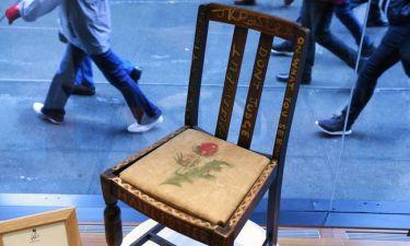 352.000 ευρώ για την καρέκλα της Τζοάν Κ. Ρόουλινγκ όταν δημιούργησε τον Χάρι Πότερ