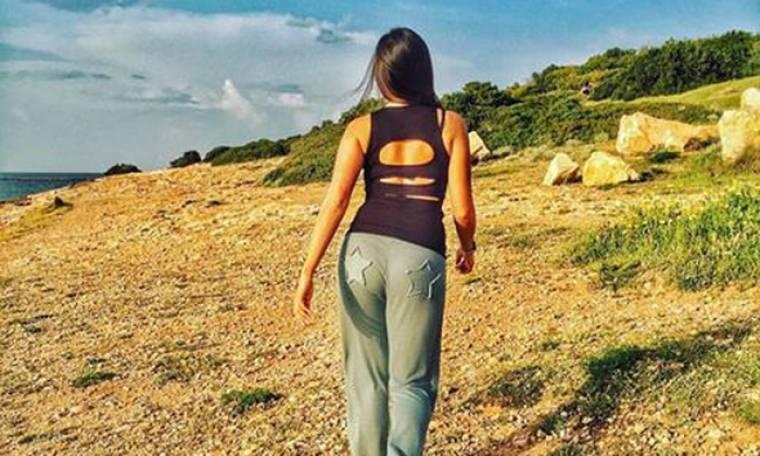 Χριστίνα Μουστάκα: Κυριακάτικη βόλτα στην παραλία
