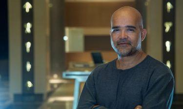Ο σκηνοθέτης της σειράς το «Νησί» επιστρέφει στην tv