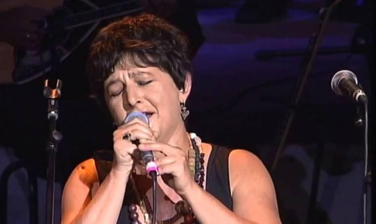Φωτεινή Βελεσιώτου: Γιατί αρνείται να τραγουδήσει στην Αμερική;